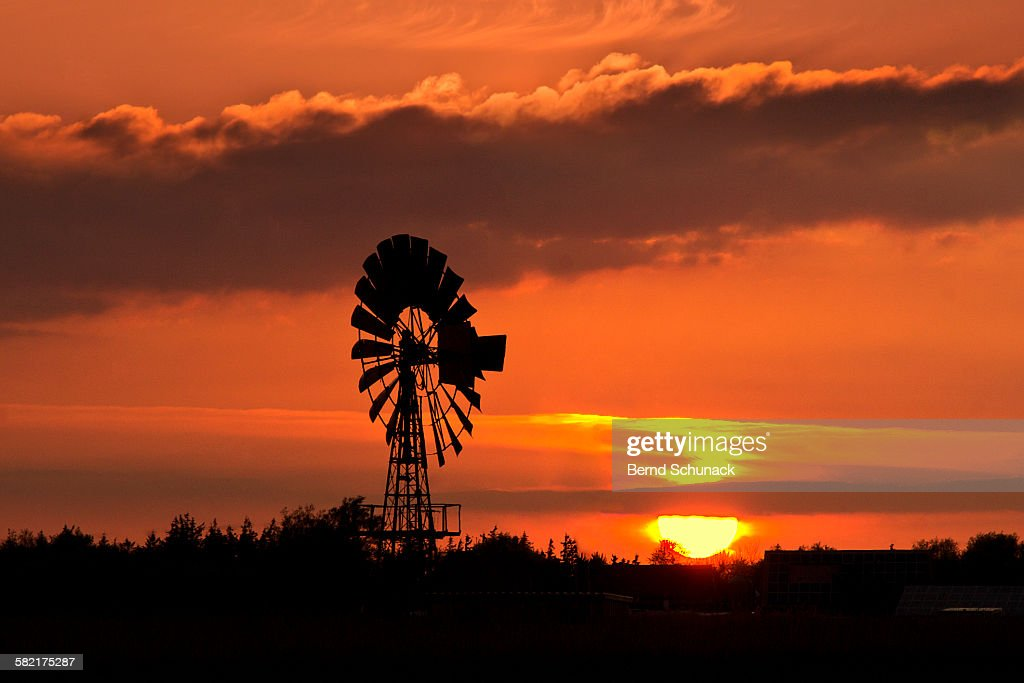 Old Windmill Sunset : Stock-Foto