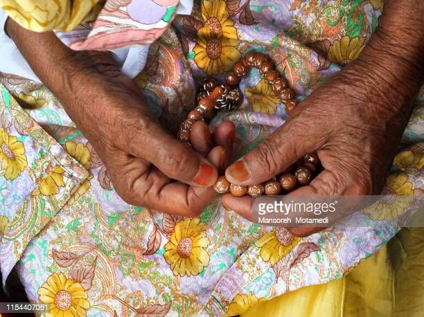 old woman hands - bead stock pictures, royalty-free photos & images