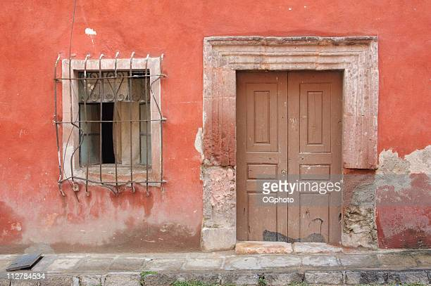 old wooden door - ogphoto bildbanksfoton och bilder