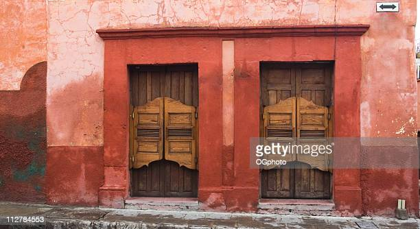 old wooden  swinging doors at a bar - ogphoto stock pictures, royalty-free photos & images