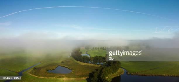 """old zuiderzee levee zwartendijk in the ijsseldelta near kampen seen from above - """"sjoerd van der wal"""" or """"sjo"""" stockfoto's en -beelden"""