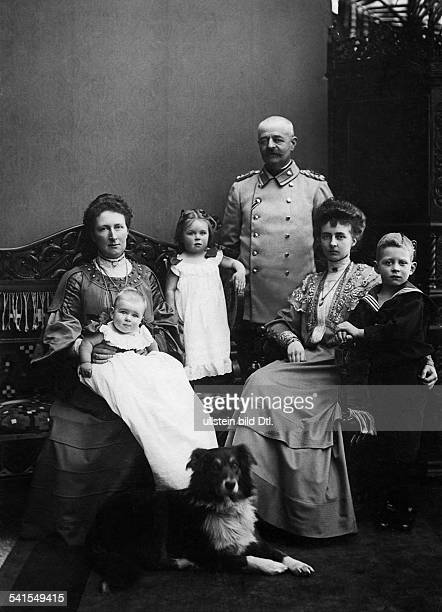 Oldenburg Friedrich August II Grand Duke of Oldenburg*16111852with his family sitting to the right his daughter Duchess Sophie Charlotte to the left...