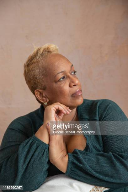 older black woman - chesty love stock pictures, royalty-free photos & images