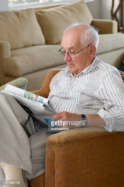 Más Gentleman lee el periódico