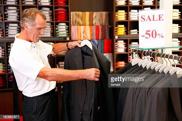 D'un costume homme shopping pour
