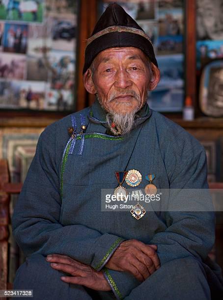 older mongolian man - hugh sitton stock-fotos und bilder
