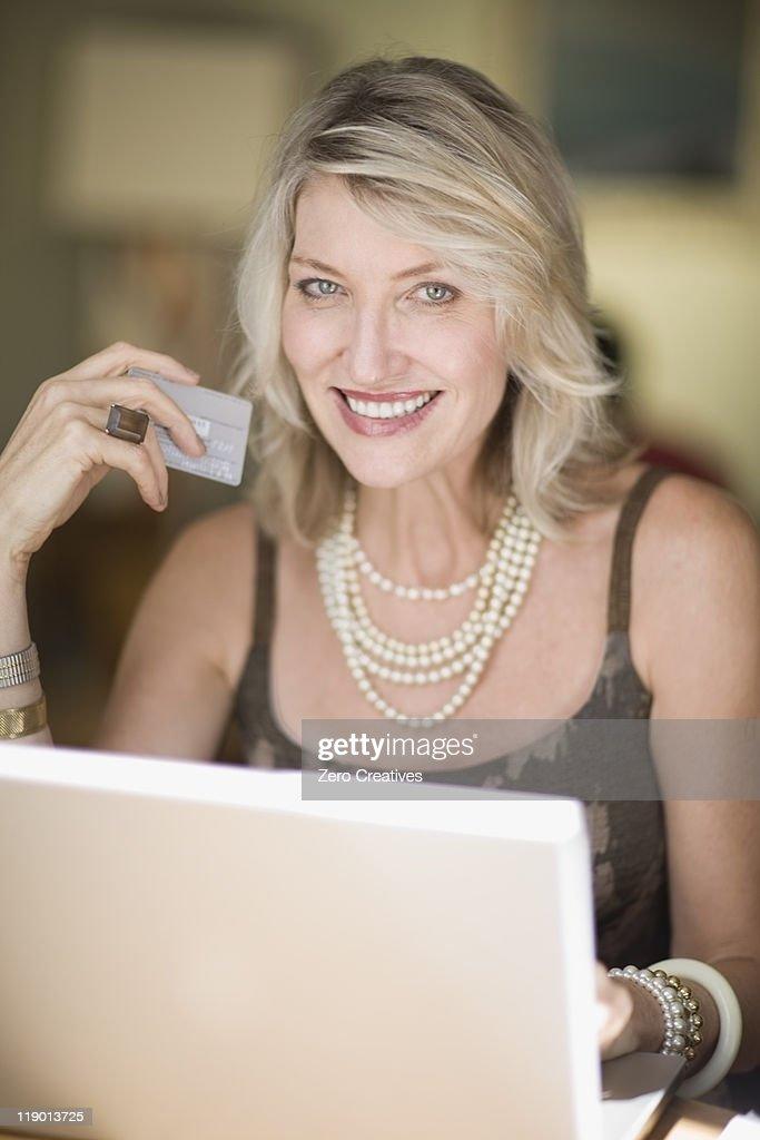 Altere frauen im internet kennenlernen