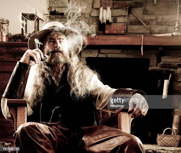 Old-Fashioned Western-Rauchen Sie eine Wasserpfeife
