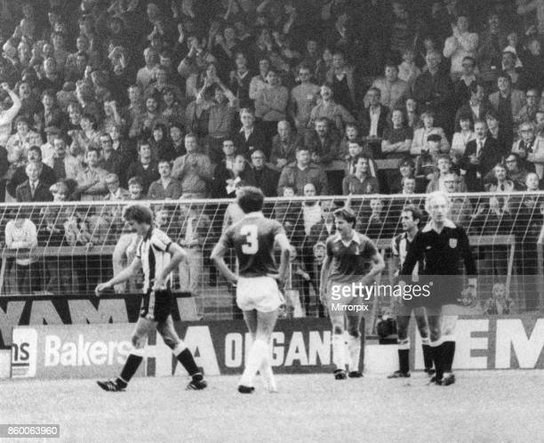 Oldham 2-2 Newcastle, Division Two League match at Boundary Park, Saturday 9th October 1982. Terry McDermott is sent off.