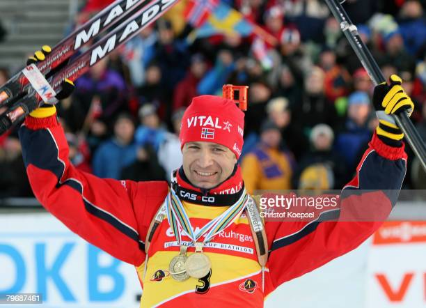 Ole Einar Bjoerndalen of Norway celebrates his victory after the Mens 12,5 km pursuit of the IBU Biathlon World Championships on February 10, 2008 in...