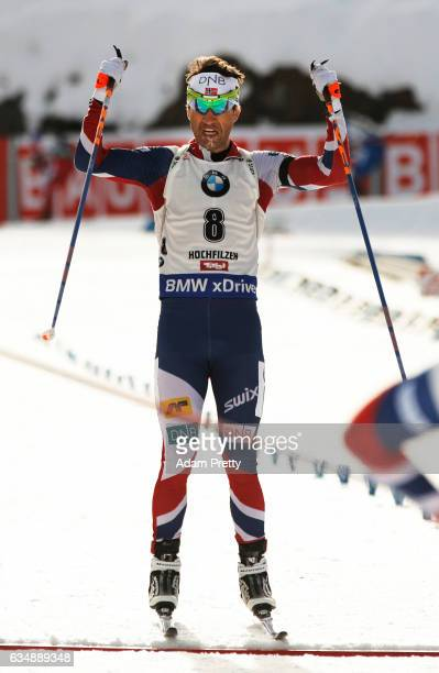 Ole Einar Bjoerndalen of Norway celebrates winning bronze in the Men's 125km pursuit competition of the IBU World Championships Biathlon 2017 at the...