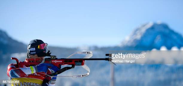 Ole Einar Bjoerndalen of Norway practices at the shooting range during the Official Training prior to the BMW IBU World Cup Biathlon on December 7...
