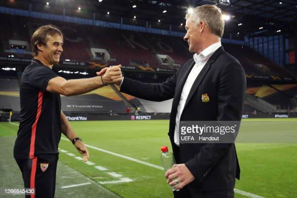 Ole Gunnar Solskjaer, Manager of Manchester United and Julen Lopetegui, Head Coach of Sevilla FC shake hands prior to the UEFA Europa League Semi...