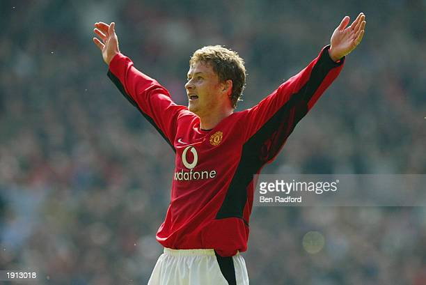 Ole Gunnar Solskjaer of Manchester United celebrates scoring the fourth goal during the FA Barclaycard Premiership match between Manchester United...