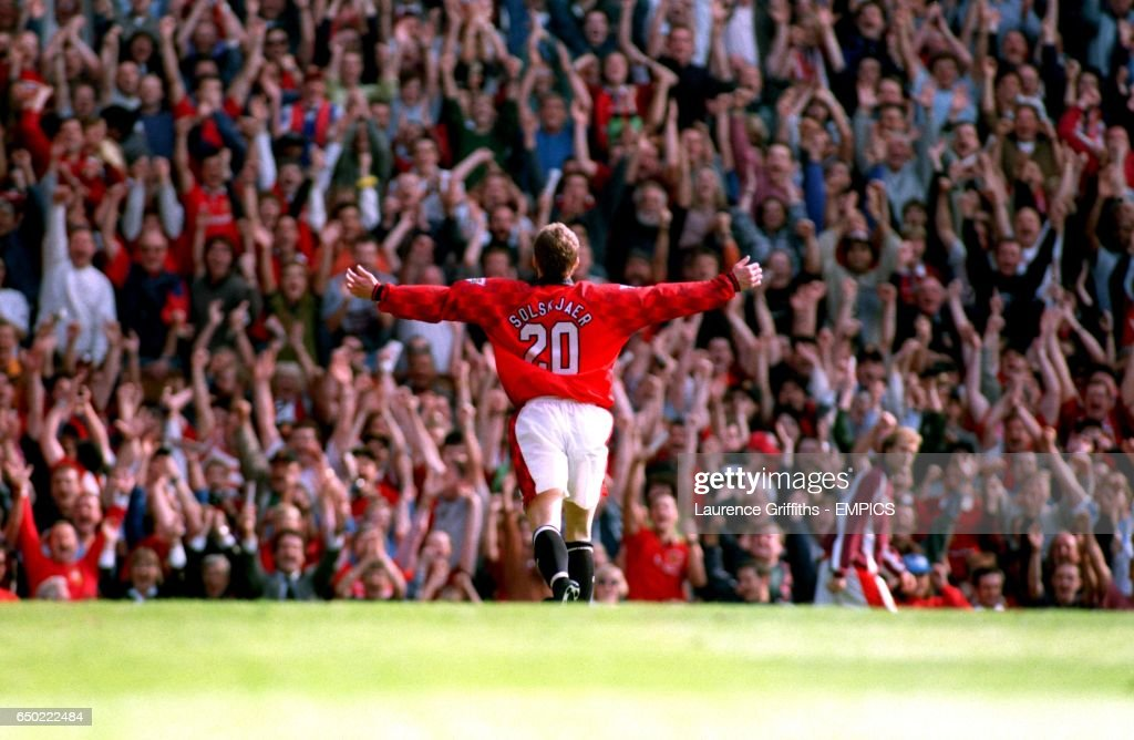 Soccer - FA Carling Premiership - Manchester United v Nottingham Forest : News Photo