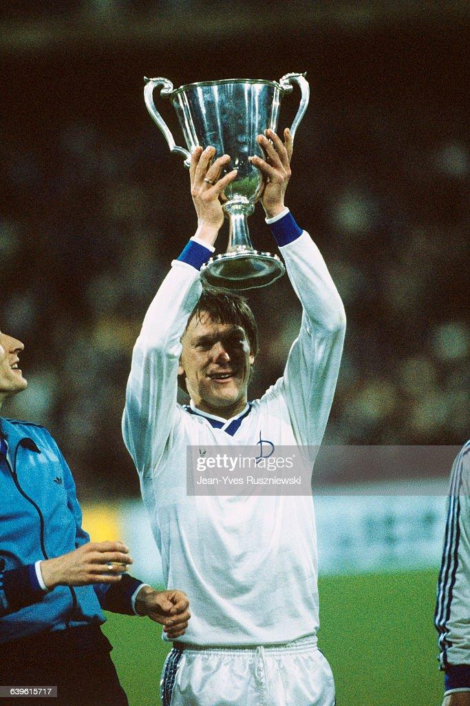 1986 UEFA Cup Winners Cup Final - Dynamo Kiev vs Atletico Madrid : News Photo