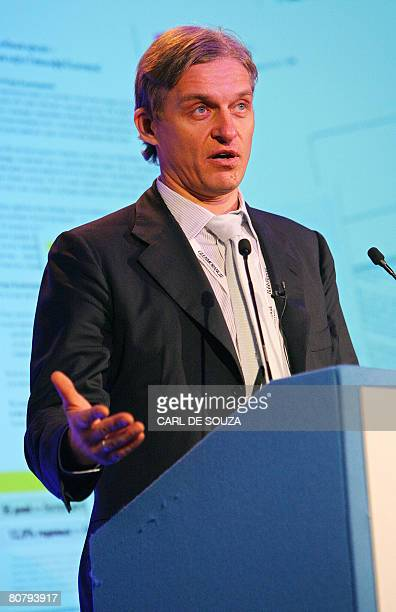 Oleg Tinkov Chairman of the Board Tinkoff Credit Systems speaks during the Russian Economic Forum in London on April 21 2008 AFP PHOTO/CARL DE SOUZA