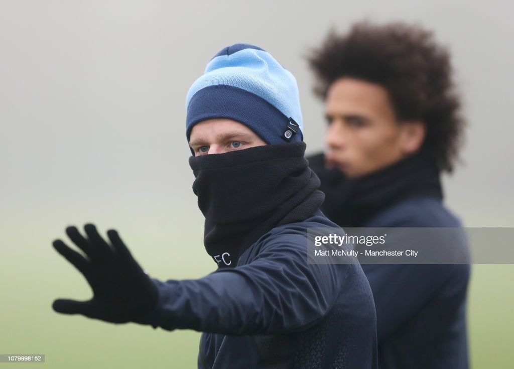 https://media.gettyimages.com/photos/oleksandr-zinchenko-of-manchester-city-waves-during-the-training-at-picture-id1079998162
