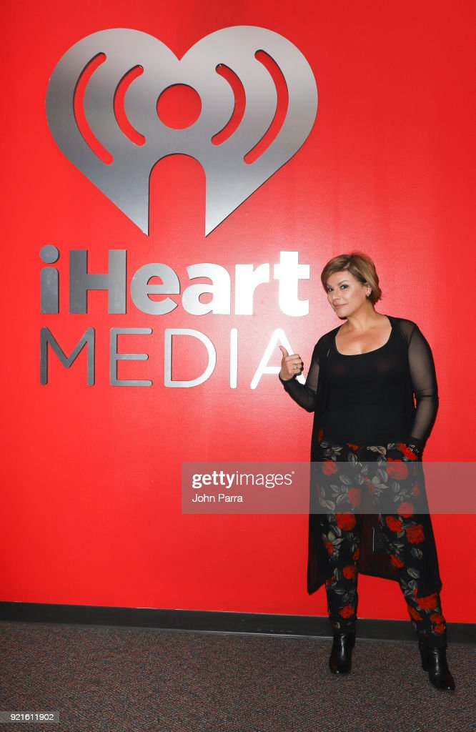Celebrities Visit The Enrique Santos Show At I Heart Latino Studio : Foto di attualità
