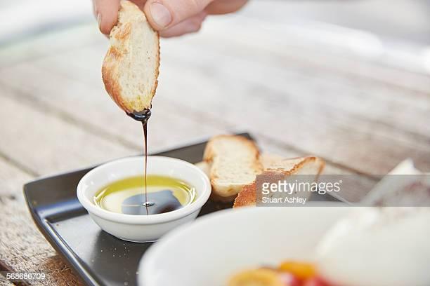 olive oil, balsamic vinegar and bread