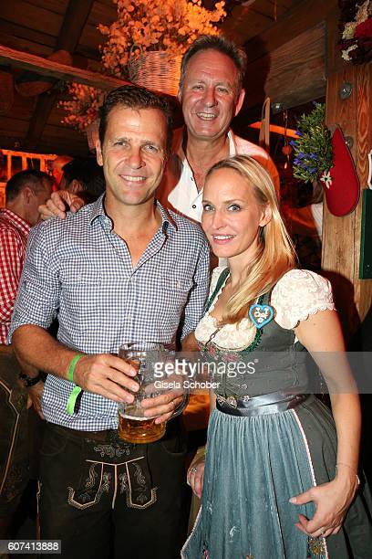 Oliver Bierhoff Hartmut Ostrowsky and Anne MeyerMinnemann editor in chief of Gala during the opening of the oktoberfest 2016 at the 'Kaeferschaenke'...