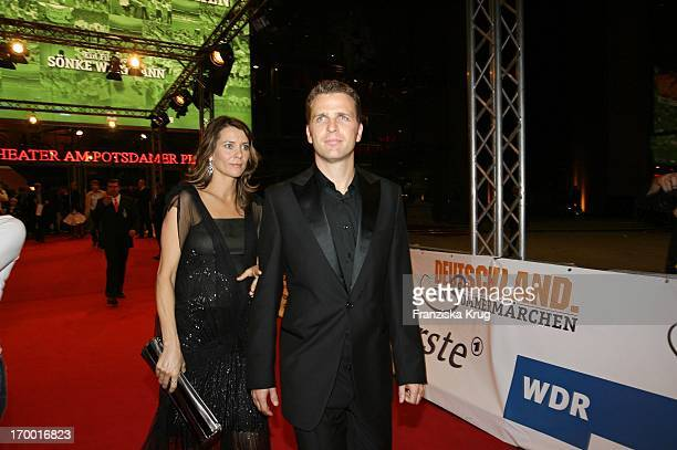 Oliver Bierhoff With His wife Klara At The Premiere Of The Film Of Cinema S Wortmann Germany A Summer Fairytale on 031006