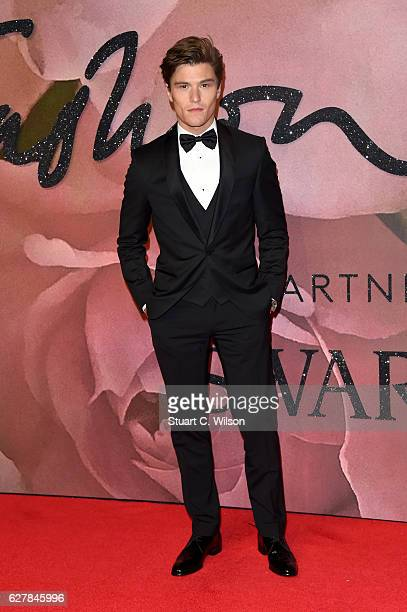 Oliver Cheshire attends The Fashion Awards 2016 on December 5 2016 in London United Kingdom