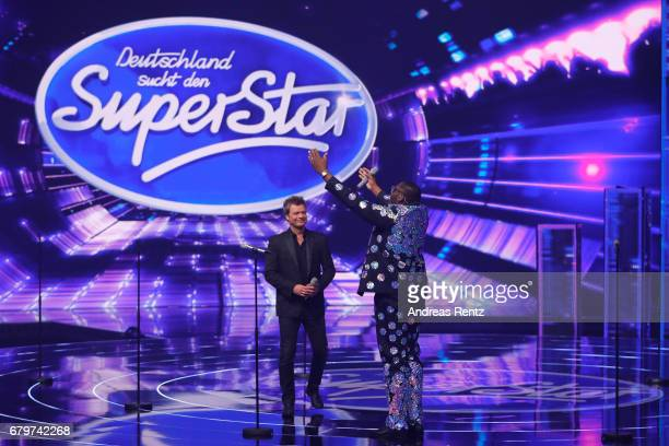 Oliver Geissen and Alphonso Williams during the finals of the tv competition 'Deutschland sucht den Superstar' at Coloneum on May 6 2017 in Cologne...