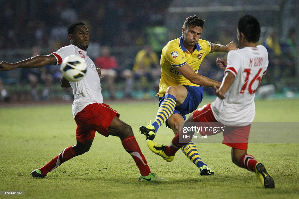 Oliver Giroud of Arsenal scores a goal during the match between Arsenal and the Indonesia All-Stars at Gelora Bung Karno Stadium on July 14, 2013 in Jakarta, Indonesia.