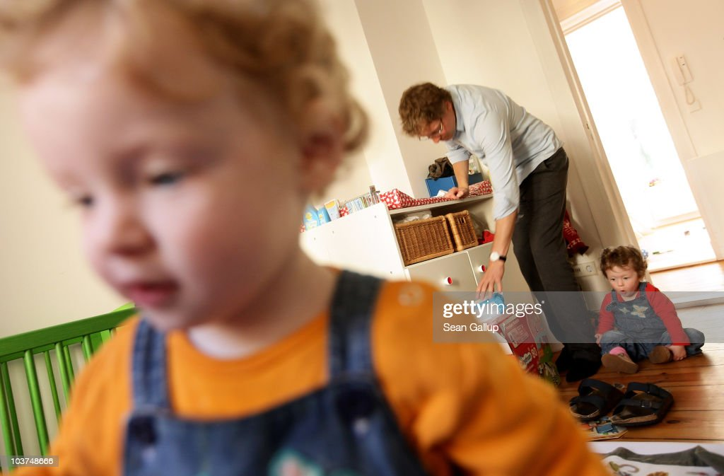 Germany Debates Expanding Parental Leave : News Photo