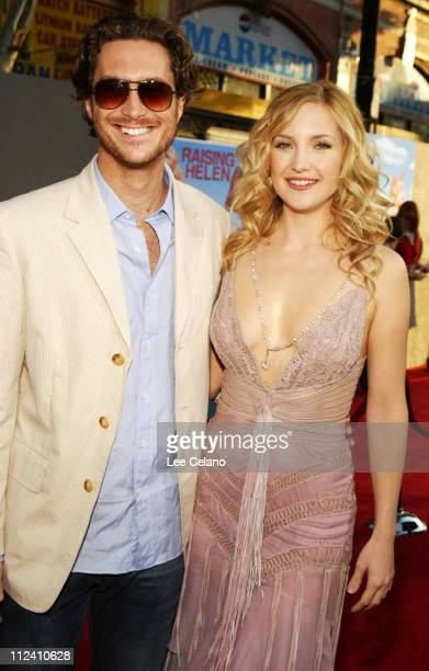 Oliver Hudson and Kate Hudson during 'Raising Helen' Los Angeles Premiere Red Carpet at El Capitan Theatre in Hollywood California United States