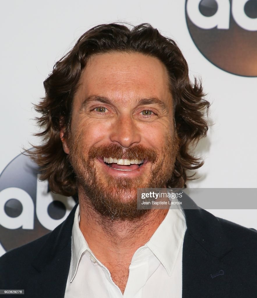 Oliver Hudson attends the Disney ABC Television Group Hosts TCA Winter Press Tour 2018 on January 8, 2018 in Pasadena, California.