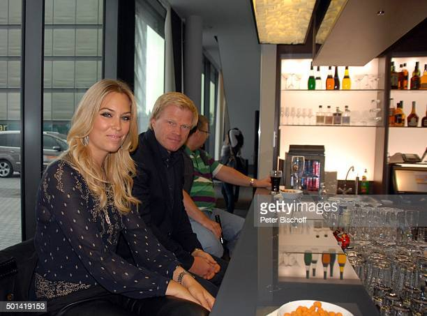 Oliver Kahn Ehefrau Svenja Kögel Hotel Steigenberger vor Abschiedsspiel für ExSV Werder BremenSpieler T o r s t e n F r i n g s Bremen Deutschland...