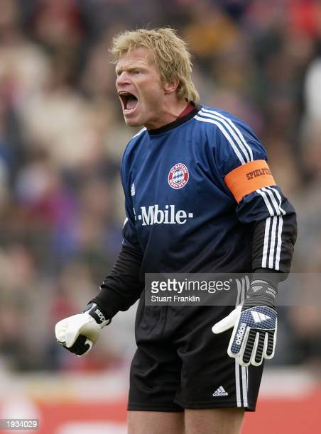 Oliver Kahn of Bayern Munich during the German Bundesliga match between Hannover 96 and FC Bayern Munich held on April 5 2003 at The AWD Arena in...