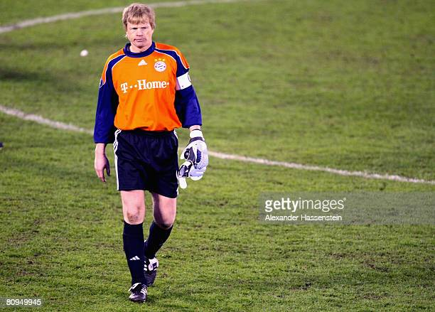 Oliver Kahn of Bayern Munich walk off the pitch after loosing his last international match during the UEFA Cup semi final 2nd leg match between Zenit...