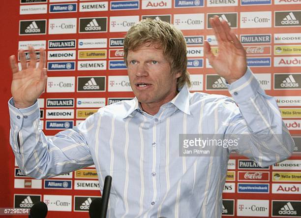 Oliver Kahn speaks at a press conference before a FC Bayern Munich training session on April 10 2006 in Munich Germany Kahn announced that he will...