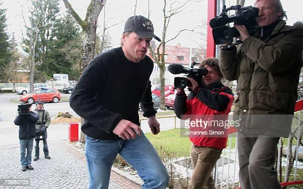 Oliver Kahn , the goalkeeper for Bundesliga football club FC Bayern Munich arrives at the Bayern Munich headquarters at Saebener Strasse on March 23...