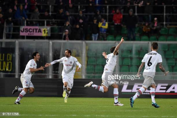 Oliver Kragl of Foggia celebrates with team mates after scoring his team's second goal during the Serie B match between US Citta di Palermo and...
