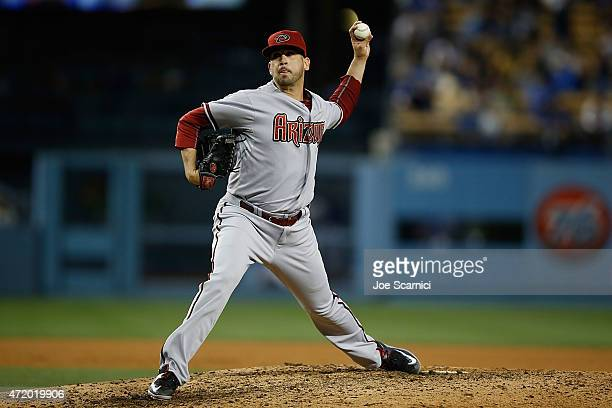 Oliver Perez of the Arizona Diamondbacks throws a pitch int he seventh inning against the Los Angeles Dodgers at Dodger Stadium on May 2 2015 in Los...