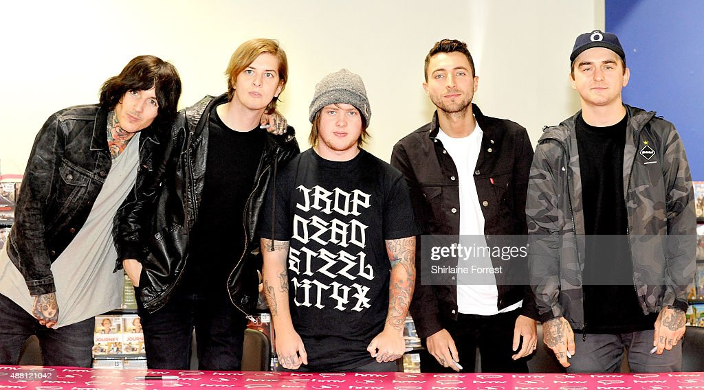 "Bring Me The Horizon Meet Fans & Sign Copies Of Their New Album ""That's The Spirit"" : News Photo"