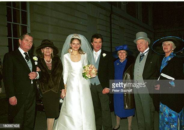 Oliver Tobias, Ehefrau Arabella Zamoyska , Brauteltern von A.;Zamoyska , rechts vom Brautpaar:;Maria Becker, Robert Freitag , Maria Sebaldt , ,...