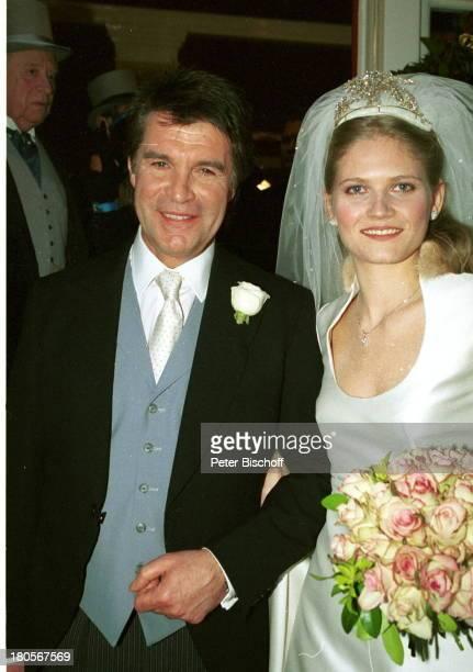 "Oliver Tobias, Ehefrau Arabella Zamoyska,;Hochzeitsgesellschaft, Hochzeit,;Großbritannien, England, London, ""The;little Brompton Oratory"",..."