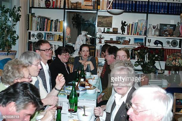 Oliver Tobias ExKindermädchen Antje Desy Bary Nichte Larissa Kerner Bruder Benedict Freitag Neffe Sakias Manuel Kerner Gäste FamilienFeier zum 90...