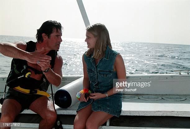 Oliver Tobias mit Freundin Arabella StLucia Meer TaucherausrüstungUrlaub