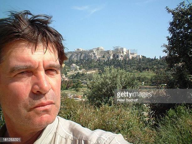 Oliver Tobias neben den Dreharbeiten zur ARDReihe Unter weißen Segeln bei Alexandria/Ägypten/NordAfrika Schauspieler Promis Prominente Prominenter