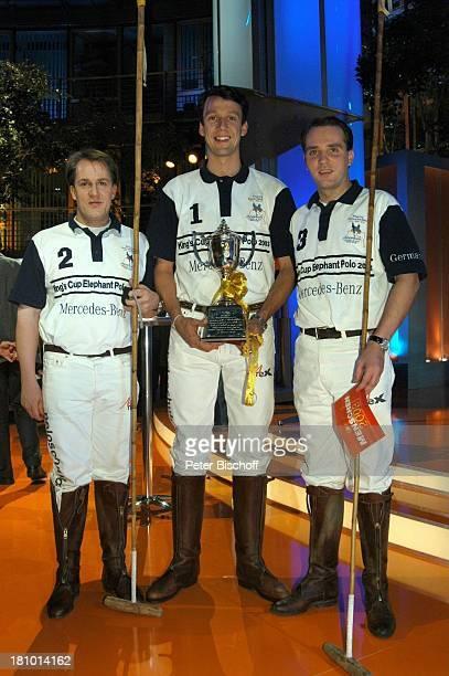 Oliver Winter Hugo Götz und Dirk Götz ZDFShow Menschen 2003 Berlin Deutschland Europa Dresdener Bank Sportler Sportkleidung Sport Promis Prominente...