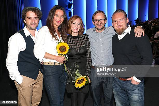 Oliver Wnuk Katharina MuellerElmau Lavinia Wilson Milan Peschel and Axel Stein during the premiere for the film 'Maennertag' at Mathaeser Filmpalast...