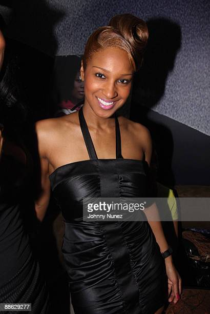 Olivia attends Rowena Husband's 50th birthday celebration at Branch on May 26 2009 in New York City