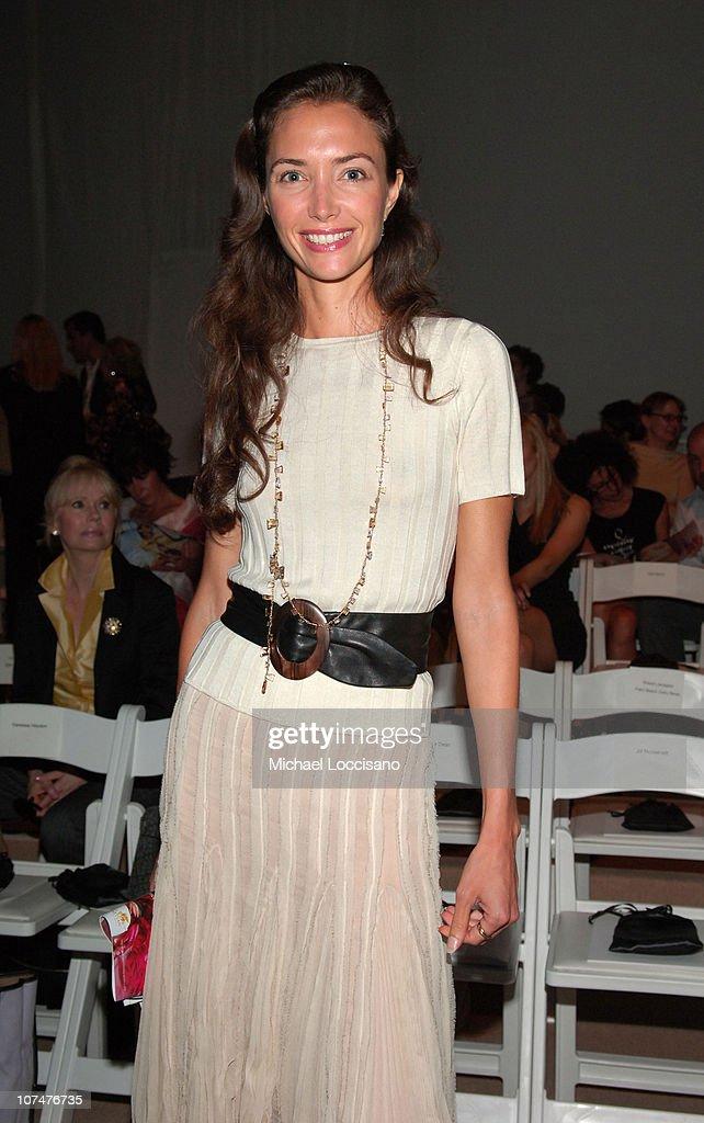 Olympus Fashion Week Spring 2006 - J. Mendel - Front Row