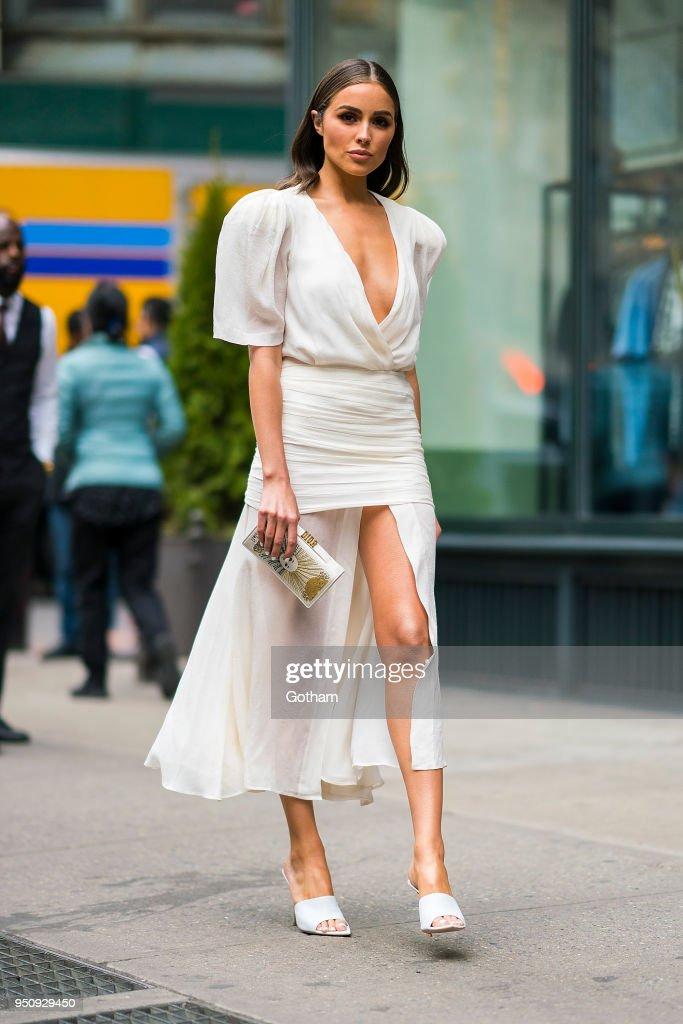 Street Style - New York City - April 2018 : News Photo